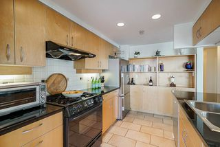 Photo 13: 1902 1199 MARINASIDE CRESCENT in Vancouver: Yaletown Condo for sale (Vancouver West)  : MLS®# R2506862