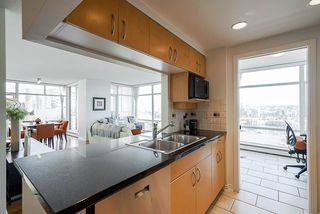 Photo 15: 1902 1199 MARINASIDE CRESCENT in Vancouver: Yaletown Condo for sale (Vancouver West)  : MLS®# R2506862