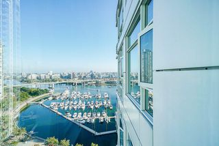 Photo 25: 1902 1199 MARINASIDE CRESCENT in Vancouver: Yaletown Condo for sale (Vancouver West)  : MLS®# R2506862