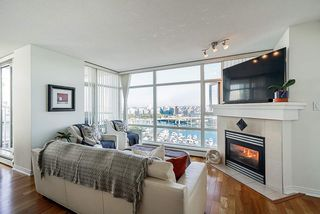 Photo 3: 1902 1199 MARINASIDE CRESCENT in Vancouver: Yaletown Condo for sale (Vancouver West)  : MLS®# R2506862
