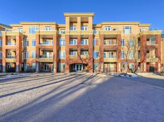 Main Photo: 404 2 HEMLOCK Crescent SW in Calgary: Spruce Cliff Apartment for sale : MLS®# A1061212