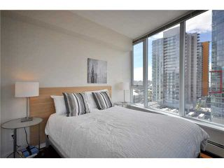Photo 5: 1802 188 KEEFER Place in Vancouver: Downtown VW Condo for sale (Vancouver West)  : MLS®# V824767