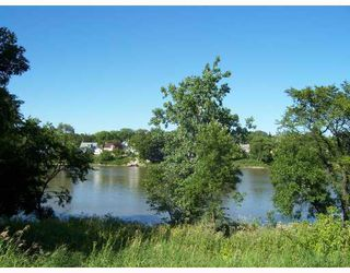Photo 2: 69 PRINCE EDWARD Street in WINNIPEG: North End Residential for sale (North West Winnipeg)  : MLS®# 2814575