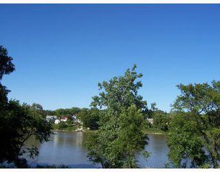 Photo 3: 69 PRINCE EDWARD Street in WINNIPEG: North End Residential for sale (North West Winnipeg)  : MLS®# 2814575