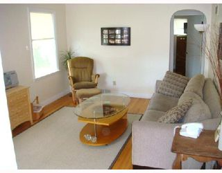 Photo 2: 115 BANK Avenue in WINNIPEG: St Vital Residential for sale (South East Winnipeg)  : MLS®# 2815561