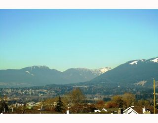 Photo 3: 4810 EMPIRE Drive in Burnaby: Capitol Hill BN House for sale (Burnaby North)  : MLS®# V753787