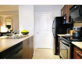 "Photo 6: 226 12238 224TH Street in Maple_Ridge: East Central Condo for sale in ""URBANO"" (Maple Ridge)  : MLS®# V766287"