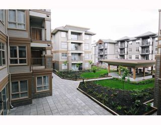"Photo 10: 226 12238 224TH Street in Maple_Ridge: East Central Condo for sale in ""URBANO"" (Maple Ridge)  : MLS®# V766287"