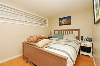 "Photo 15: 82 E 45TH Avenue in Vancouver: Main House for sale in ""MAIN STREET"" (Vancouver East)  : MLS®# R2394942"