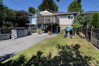 "Photo 19: 82 E 45TH Avenue in Vancouver: Main House for sale in ""MAIN STREET"" (Vancouver East)  : MLS®# R2394942"