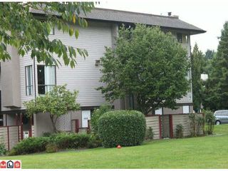 """Photo 1: 14838 HOLLY PARK Lane in Surrey: Guildford Townhouse for sale in """"Holly Park In Guildford"""" (North Surrey)  : MLS®# R2427275"""