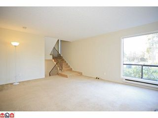 """Photo 10: 14838 HOLLY PARK Lane in Surrey: Guildford Townhouse for sale in """"Holly Park In Guildford"""" (North Surrey)  : MLS®# R2427275"""