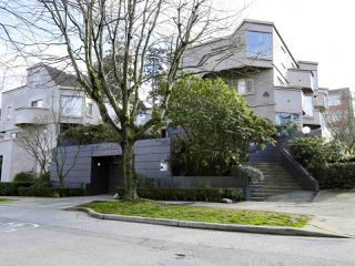 Main Photo: 12 870 W 7TH Avenue in Vancouver: Fairview VW Townhouse for sale (Vancouver West)  : MLS®# R2436004