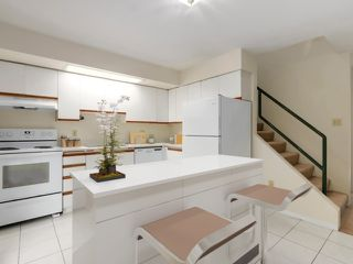 Photo 3: 12 870 W 7TH Avenue in Vancouver: Fairview VW Townhouse for sale (Vancouver West)  : MLS®# R2436004