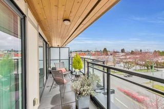 """Photo 10: 402 688 E 18TH Avenue in Vancouver: Fraser VE Condo for sale in """"THE GEM"""" (Vancouver East)  : MLS®# R2448205"""