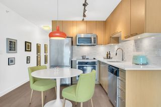 "Photo 6: 402 688 E 18TH Avenue in Vancouver: Fraser VE Condo for sale in ""THE GEM"" (Vancouver East)  : MLS®# R2448205"