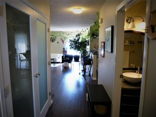 Photo 3: 8114 27 Avenue in Edmonton: Zone 29 House Half Duplex for sale : MLS®# E4210292