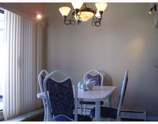 """Photo 3: 5142 HASTINGS Street in Burnaby: Capitol Hill BN Townhouse for sale in """"MAYWOOD"""" (Burnaby North)  : MLS®# V784480"""