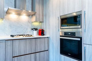 "Photo 6: 1103 89 NELSON Street in Vancouver: Yaletown Condo for sale in ""THE ARC"" (Vancouver West)  : MLS®# R2495278"
