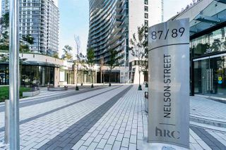 "Photo 2: 1103 89 NELSON Street in Vancouver: Yaletown Condo for sale in ""THE ARC"" (Vancouver West)  : MLS®# R2495278"