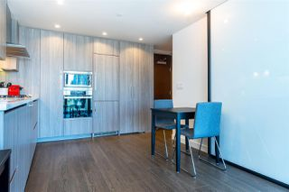 "Photo 11: 1103 89 NELSON Street in Vancouver: Yaletown Condo for sale in ""THE ARC"" (Vancouver West)  : MLS®# R2495278"