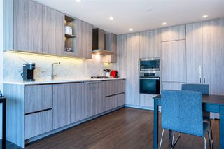 "Photo 10: 1103 89 NELSON Street in Vancouver: Yaletown Condo for sale in ""THE ARC"" (Vancouver West)  : MLS®# R2495278"