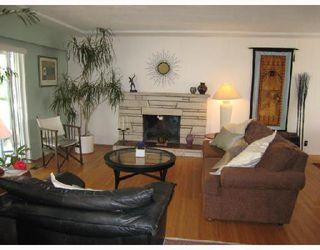 Photo 2: 6388 ELLIOTT Street in Vancouver: Killarney VE House for sale (Vancouver East)  : MLS®# V785165