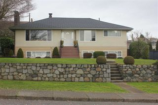 Main Photo: 6061 CHARLES Street in Burnaby: Parkcrest House for sale (Burnaby North)  : MLS®# R2512447
