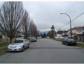 Photo 2: 5505 KILLARNEY Street in Vancouver: Collingwood VE House for sale (Vancouver East)  : MLS®# V811445