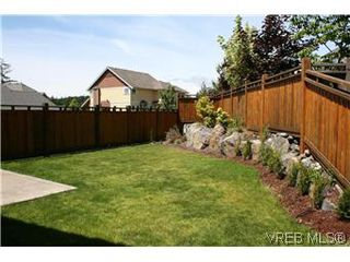 Photo 18: 18 630 Brookside Road in VICTORIA: Co Latoria Townhouse for sale (Colwood)  : MLS®# 287063