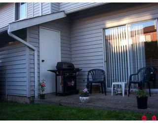 "Photo 2: 68 26970 32ND AV in Langley: Aldergrove Langley Townhouse for sale in ""PARKSIDE VILLAGE"" : MLS®# F2621207"