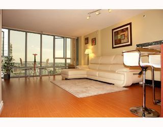 "Photo 3: 1801 950 CAMBIE Street in Vancouver: Downtown VW Condo for sale in ""PACIFIC PLACE LANDMARK 1"" (Vancouver West)  : MLS®# V761727"