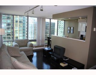"""Photo 3: 1308 1288 W GEORGIA Street in Vancouver: West End VW Condo for sale in """"RESIDENCES ON GEORGIA"""" (Vancouver West)  : MLS®# V772839"""