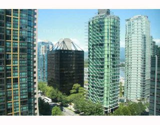 """Photo 5: 1308 1288 W GEORGIA Street in Vancouver: West End VW Condo for sale in """"RESIDENCES ON GEORGIA"""" (Vancouver West)  : MLS®# V772839"""