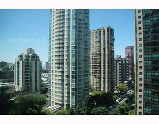 """Photo 6: 1308 1288 W GEORGIA Street in Vancouver: West End VW Condo for sale in """"RESIDENCES ON GEORGIA"""" (Vancouver West)  : MLS®# V772839"""