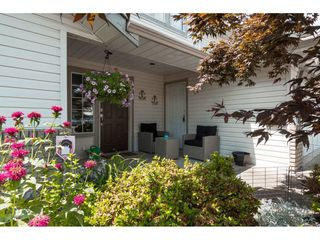 Photo 2: 8465 COX Drive in Mission: Mission BC House for sale : MLS®# R2390455