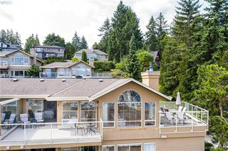 Photo 9: 702 6880 Wallace Dr in VICTORIA: CS Brentwood Bay Row/Townhouse for sale (Central Saanich)  : MLS®# 821617