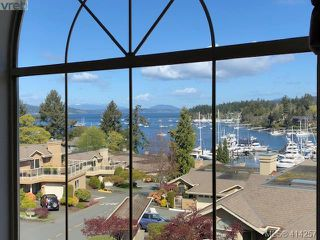 Photo 3: 702 6880 Wallace Dr in VICTORIA: CS Brentwood Bay Row/Townhouse for sale (Central Saanich)  : MLS®# 821617