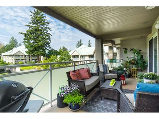"Photo 17: 412 15150 29A Avenue in Surrey: King George Corridor Condo for sale in ""Sands II"" (South Surrey White Rock)  : MLS®# R2396902"