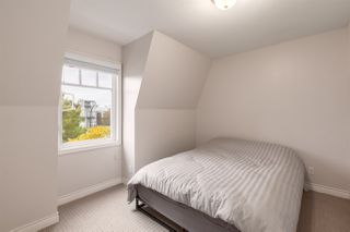 "Photo 13: 118 TEMPLETON Drive in Vancouver: Hastings House for sale in ""HASTINGS SUNRISE"" (Vancouver East)  : MLS®# R2408281"
