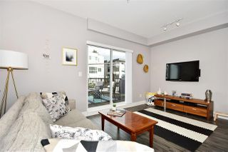 """Photo 3: 209 2273 TRIUMPH Street in Vancouver: Hastings Townhouse for sale in """"Triumph"""" (Vancouver East)  : MLS®# R2412487"""