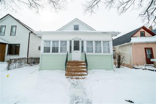 Photo 1: 252 UNION Avenue West in Winnipeg: Elmwood Residential for sale (3A)  : MLS®# 202004978