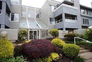 "Photo 13: 109 125 W 18TH Street in North Vancouver: Central Lonsdale Condo for sale in ""Ashton Place"" : MLS®# R2455958"