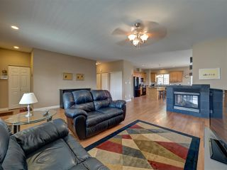 Photo 11: 6304 SAMRON Road in Sechelt: Sechelt District House for sale (Sunshine Coast)  : MLS®# R2469444