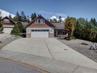Photo 1: 6304 SAMRON Road in Sechelt: Sechelt District House for sale (Sunshine Coast)  : MLS®# R2469444