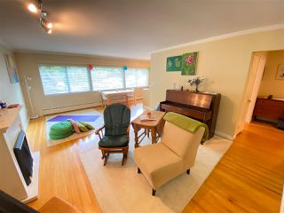 """Photo 4: 4 369 W 4 Street in North Vancouver: Lower Lonsdale Condo for sale in """"The Lanark"""" : MLS®# R2508957"""