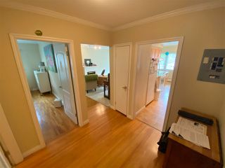 """Photo 2: 4 369 W 4 Street in North Vancouver: Lower Lonsdale Condo for sale in """"The Lanark"""" : MLS®# R2508957"""