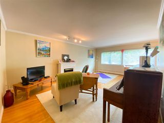 """Photo 3: 4 369 W 4 Street in North Vancouver: Lower Lonsdale Condo for sale in """"The Lanark"""" : MLS®# R2508957"""