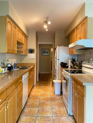 """Photo 9: 4 369 W 4 Street in North Vancouver: Lower Lonsdale Condo for sale in """"The Lanark"""" : MLS®# R2508957"""