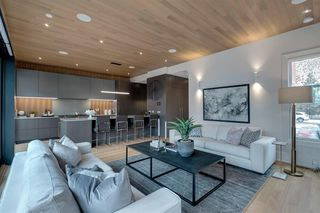 Photo 17: 412 11 Street NW in Calgary: Hillhurst Detached for sale : MLS®# A1045335